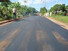 Se aplican 250 toneladas de asfalto.