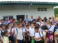 Los recursos transferidos por CVG Venalum permitirá beneficiar a 400 alumnos.