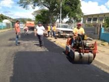 Alcaldía de Piar aplica 350  toneladas en reparación de vialidad en Upata