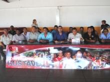 Representantes de las líneas de transporte de Piar y el Alcalde Gustavo Muñiz ofrecieron una rueda de prensa.