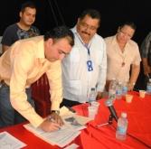 Alcalde Muñiz firma convenio con la Universidad Simón Rodríguez