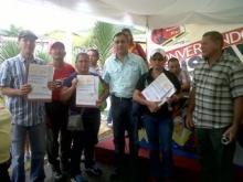 Alcalde Muñiz hizo entrega de recursos a consejos comunales de Upata