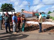 El alcalde Muñiz inspeccionó bateas de concreto en sector Bicentenario II