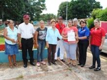 Funcionarios de la Alcaldía realizan aporte de 10 Mil Bs al Consejo Comunal