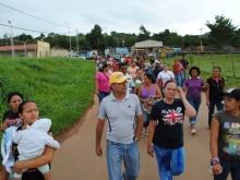 Los vecinos acompañaron al alcalde Gustavo Muñiz a un recorrido por las calles del sector