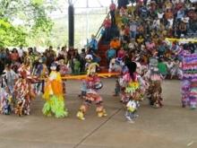 Colorido de las expresiones culturales de la danza tradicional venezolana.