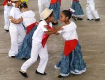Niños y jóvenes de Upata interpretaron danzas tradicionales de ...