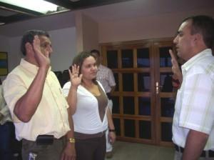 Momentos en que el Alcalde designaba a César Muñoz y Noriulis Baute Muñoz como nuevos directores.