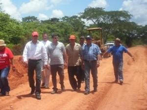 El alcalde Muñiz, inspeccionó trabajos de reparación de la vía Guacamayo-Santa Bárbara