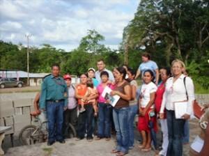 El alcalde Muñiz, entregó bloques a familias de Altagracia y Cacahual