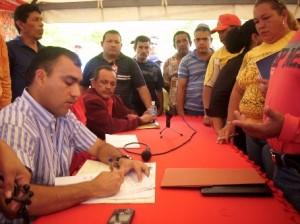 El Ejecutivo Municipal firma acuerdos con los transportistas