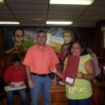Alcaldía y Banco del Pueblo entregó créditos a comunidad Simón Bolívar