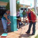 """: """"Estamos aportando nuestro granito de arena desde este centro asistencial de la mano de nuestro alcalde; Gustavo Muñiz y los médicos cubanos, quienes también realizan su trabajo voluntario al servicio de la salud de manera gratuita hacia nuestro pueblo""""."""