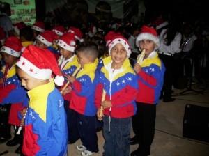 El Kinder Musical deleitó a todos los presentes con su participación