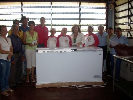 Comedor popular Thelma León recibe dotación de equipos de refrigeración