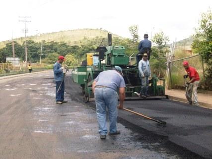 Este jueves iniciará asfaltado en la Parroquia Andrés Eloy Blanco de El Pao