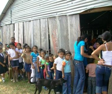 Los niños de El Carmen fueron vacunados