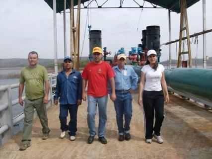 El Alcalde Muñiz y Nairobis Fuentes, de Hidrobolívar, inspeccionaron Chiripón.