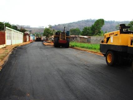 Alcalde Muñiz dignifica calles del Sector Las Malvinas de Upata
