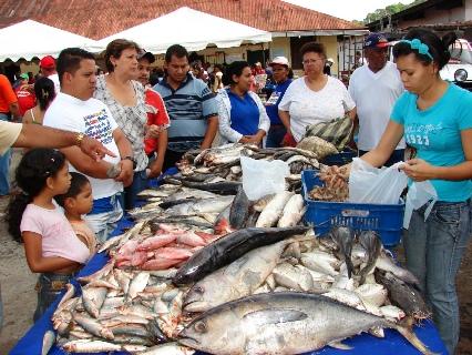 Alcaldía de Piar ayuda a abaratar el costo del pescado en la Semana Santa.