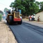 Se aplican 800 toneladas de asfalto en La Unidad.