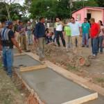 Gustavo Muñiz junto a los vecinos del sector inspeccionaron la obra