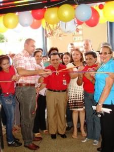 Alcalde  Gustavo Muñiz inauguró junto al pueblo el Centro  para el Adulto Mayor.
