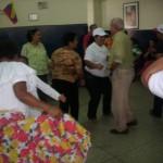 Los abuelos festejaron con bailes culturales y la sorpresa fue el mariachi.
