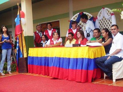 La alcaldesa Sol Rubinetti y alcalde Gustavo Muñiz presidieron el acto