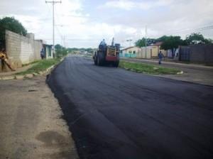 Gustavo Muñiz continua llevando a las comunidades el plan socialista de asfaltado