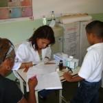 Atención médica recibieron escolares en El Pao