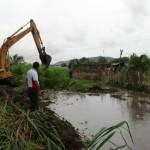 El alcalde Gustavo Muñiz activo mecanismos de desmalezamiento que permitieran a las aguas correr.