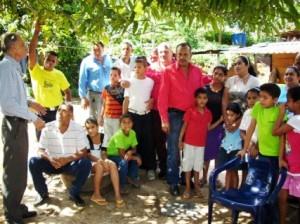 Los diputados del CLEB Franklin González y Asdrúbal López acompañados por el concejal Gustavo Muñiz presidente de la Cámara Municipal de Piar.