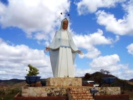 Monumento de la Virgen de la Paz en Upata