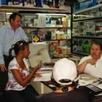 Julimer Torres Converso con los comerciantes