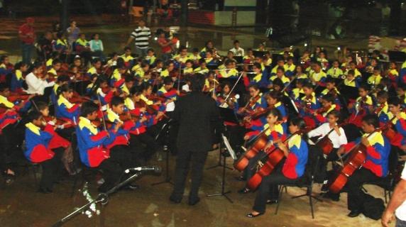 A pesar de la lluvia la Orquesta de Upata no dejo de sonar