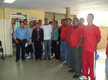 El alcalde Muñiz junto a los participantes del curso de Refrigeración Comercial del Inces.