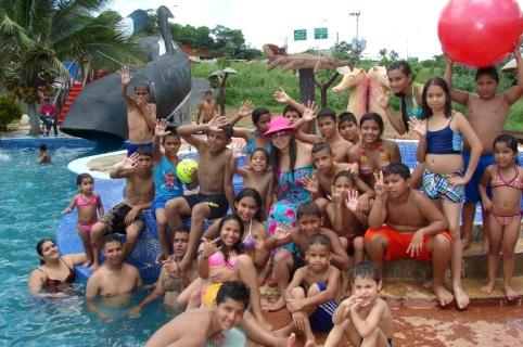 La Primera Dama acompañó a los niños a la piscinada en el Centro Recreacional Piscimar en Upata