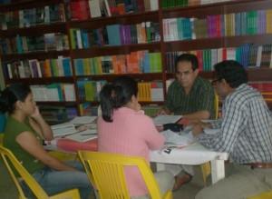 Grupo Literario Babandí dictó taller de bolsillo de escritura-lectura
