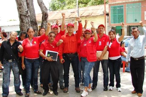 Dirigencia del PSUV presente en el Punto Rojo de la Plaza Bolívar de Upata, por la victoria de Ornella y el pueblo en las elecciones del 26 de septiembre.