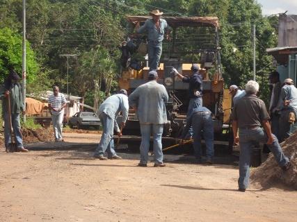 Alcaldía de Piar invierte 255 mil bolívares en asfaltado de Sabaneta