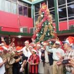 Los abuelitos de Upata compartieron con el alcalde Muñiz en el Palacio Municipal