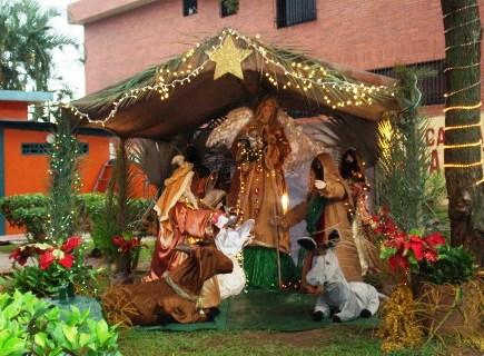 Llegó la Navidad a la Sede Institucional con el encendido del Nacimiento