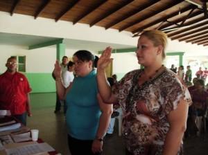 El alcalde de Piar Gustavo Muñiz juramentó a Noriulis Baute directora de Turismo y Betania Marchan Economía Popular y Desarrollo Endógeno