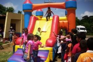 La Fundación Social Piar llevará hoy inflables para los niños de Monterralo.