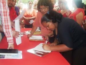 Los habitantes de la parroquia El Manteco reciben titularidad de sus terrenos