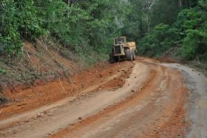 El alcalde Gustavo Muñiz si cumple  con el acondicionamiento de la vía en Montaña de Lino.