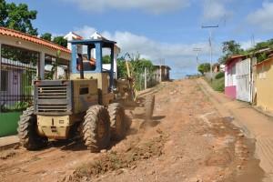 Municipalidad acondiciona vialidad en sector III de Carlos Enrique Álvarez de Upata