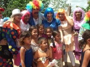Primera Dama Zulny Bonalde de Muñiz compartió con los niños en la Ruta de la Alegría