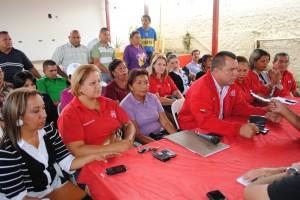 Militantes activos del Psuv en Piar respaldan la nacionalización del oro en el país.